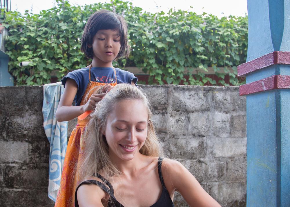 susmita-doing-shawnas-hair